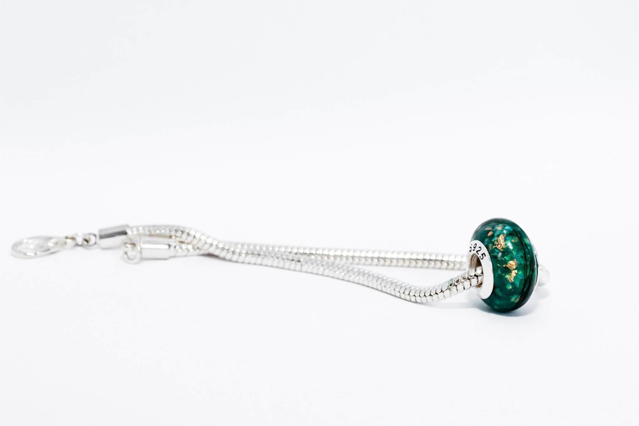 Lock-of-Hair-Emerald-Grace