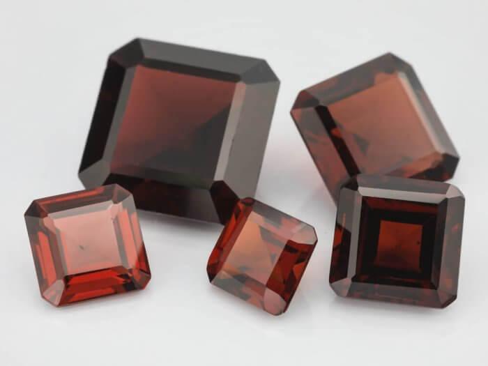 Almandine-Garnet