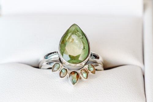 nia-accented-memorial-ring